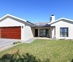 R 1,920,000 - 3 Bed House For Sale in Brackenfell