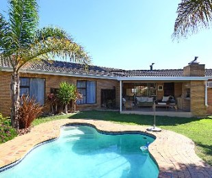 R 2,490,000 - 3 Bed House For Sale in Sonstraal Heights