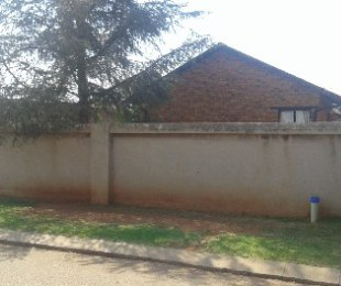 R 650,000 - 3 Bed House For Sale in Vosloorus