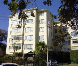 R 19,800 - 3 Bed Flat To Rent in Kenilworth Upper