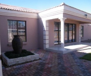 R 2,319,665 - 4 Bed Property For Sale in Riebeeckstad