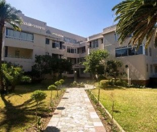 R 12,000 - 1 Bed Flat To Rent in Gardens