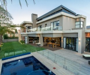 R 6,849,000 - 3 Bed Property For Sale in Eagle Canyon Golf Estate