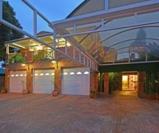 R 4,150,000 - 5 Bed House For Sale in Glen Marais
