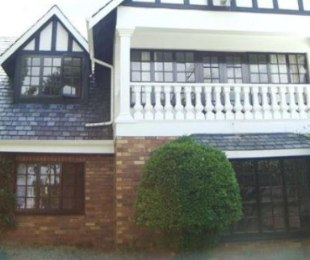 R 2,250,000 - 5 Bed Home For Sale in Lakefield