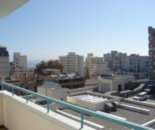 R 12,500 - 1 Bed Apartment To Rent in Sea Point