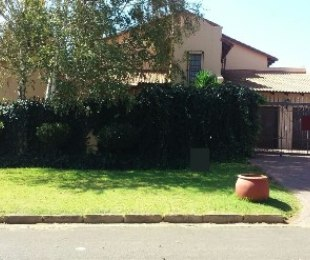 R 2,100,000 - 3 Bed Property For Sale in Ermelo