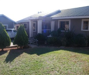R 766,000 - 3 Bed House For Sale in Virginia