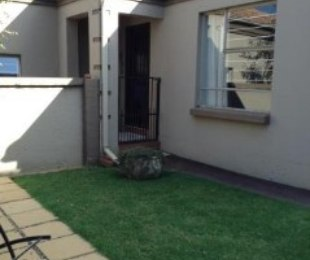 R 1,500,000 - 2 Bed House For Sale in Van Riebeeck Park