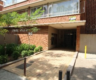 R 285,000 - 1 Bed Apartment For Sale in Sunnyside