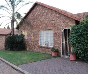 R 1,450,000 - 3 Bed Property For Sale in Eldoraigne