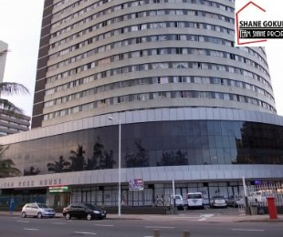 R 380,000 - 1 Bed Flat For Sale in Esplanade