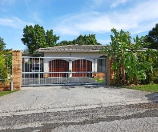 R 2,650,000 - 3 Bed House For Sale in Eversdal