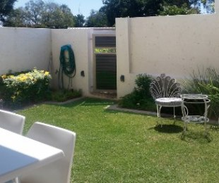 R 12,000 - 1 Bed Flat To Rent in Bryanston West