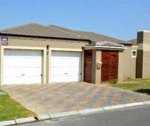 R 1,295,000 - 3 Bed House For Sale in Kraaifontein