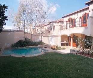 R 40,000 - 4 Bed Property To Rent in Bryanston East