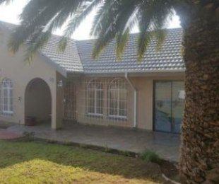 R 1,500,000 - 4 Bed House For Sale in Birchleigh