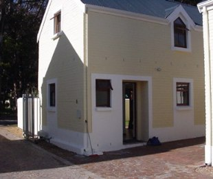R 950,000 - 3 Bed Property For Sale in Gordon's Bay Central