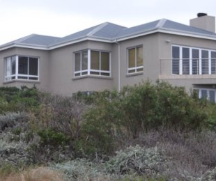 R 3,600,000 - 4 Bed House For Sale in Pinnacle Point Golf Estate