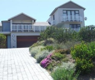 R 4,900,000 - 4 Bed Home For Sale in Pinnacle Point Golf Estate