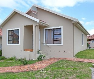 R 1,100,000 - 3 Bed House For Sale in Protea Heights
