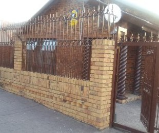 R 670,000 - 3 Bed House For Sale in Mabopane