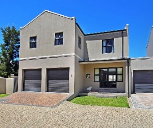 R 1,999,000 - 3 Bed House For Sale in The Crest