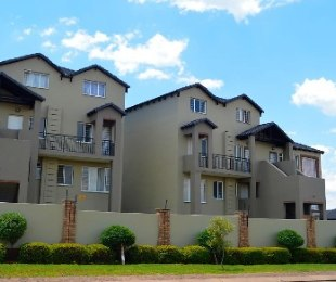 R 660,000 - 2 Bed Flat For Sale in Montana
