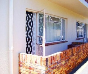R 710,000 - 2 Bed Apartment For Sale in Gordon's Bay Central