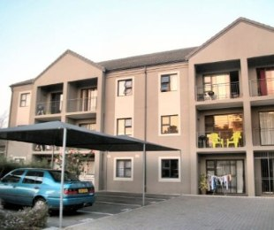 R 740,000 - 2 Bed Apartment For Sale in Morgenster