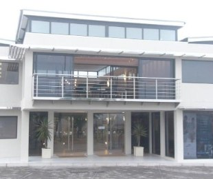 R 13,560 -  Commercial Property To Rent in Middedorp