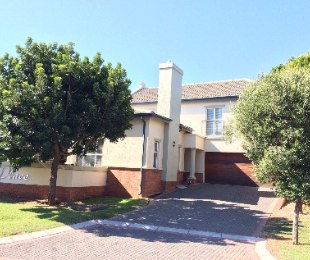 R 3,995,000 - 3 Bed Property For Sale in Eagle Canyon Golf Estate