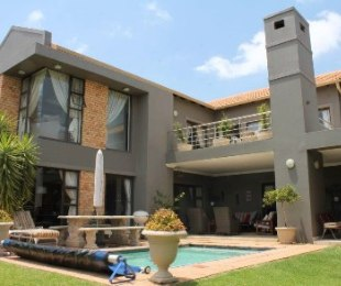 R 35,000 - 5 Bed House To Rent in Eagle Canyon Golf Estate