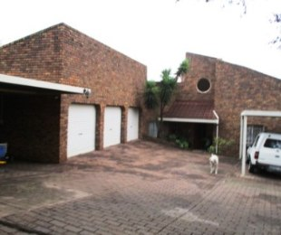 R 2,300,000 - 3 Bed Home For Sale in Zwartkop