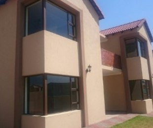 R 2,800,000 - 4 Bed House For Sale in Eldo Village