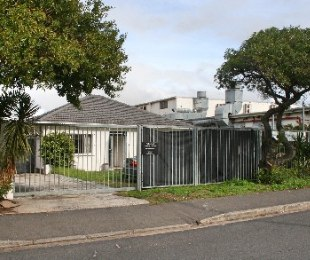 R 20,000 - 3 Bed Commercial Property To Rent in Dieprivier