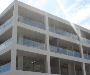 R 6,300,000 - 2 Bed Flat For Sale in Fresnaye