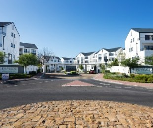 R 1,679,900 - 3 Bed Flat For Sale in Somerset West