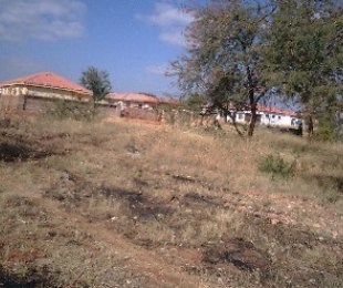 R 320,000 -  Property For Sale in The Orchards