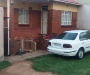 R 789,000 - 4 Bed House For Sale in Coronationville