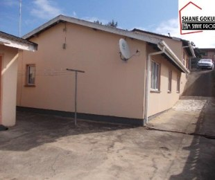 R 850,000 - 4 Bed Home For Sale in Newlands West