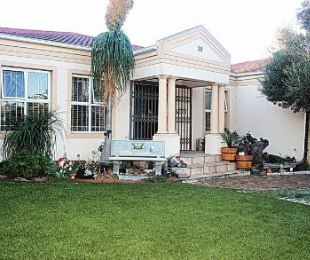 R 2,995,000 - 3 Bed House For Sale in Brackenfell