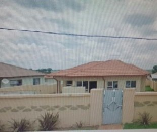 R 550,000 - 2 Bed House For Sale in Cosmo City