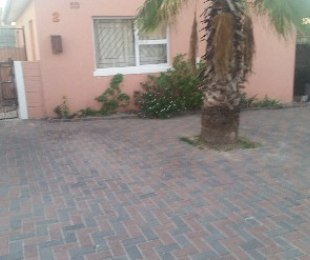 R 450,000 - 2 Bed House For Sale in Bernadino Heights