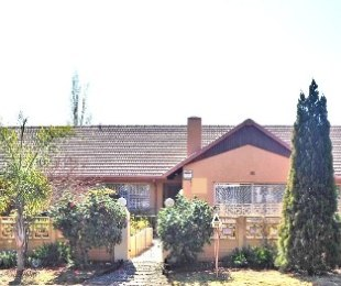 R 2,300,000 - 3 Bed Home For Sale in Lenasia