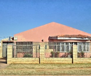 R 1,200,000 - 3 Bed Property For Sale in Lenasia