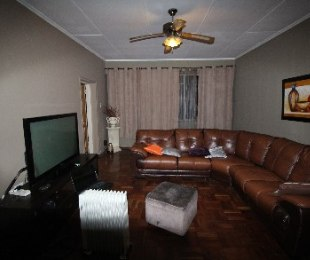R 525,000 - 2.5 Bed Flat For Sale in Arcadia