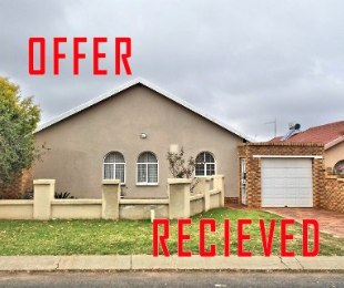 R 750,000 - 2 Bed House For Sale in Lenasia South