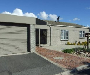 R 999,000 - 2 Bed Home For Sale in Kraaifontein