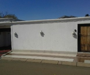 R 850,000 - 3 Bed House For Sale in Rockville